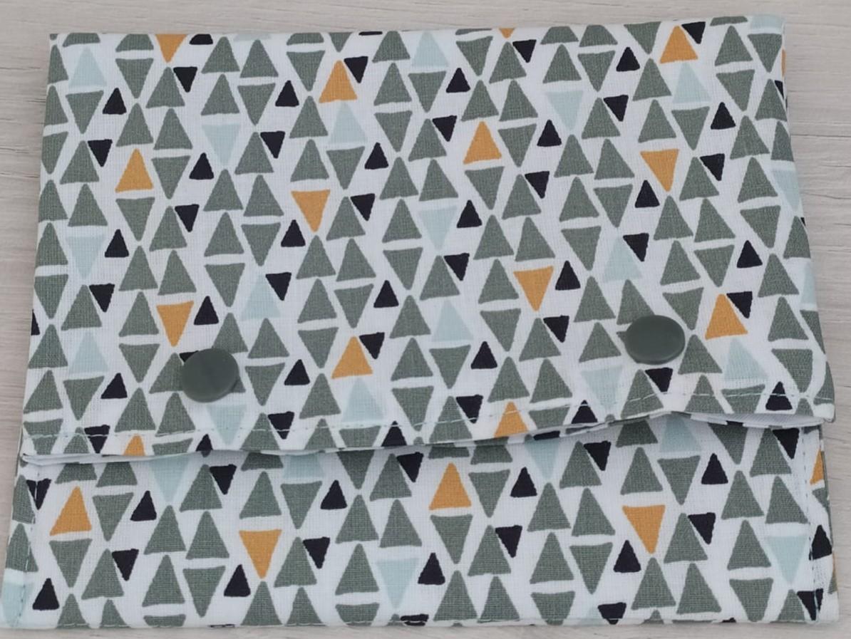 Triángulos verdes y mostaza