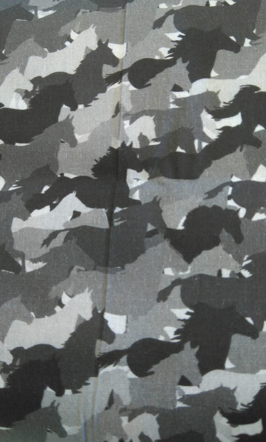 Caballos grises
